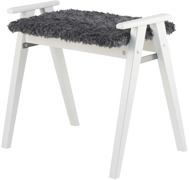 Alme, Skammel med fåreskind, Træ by Oscarssons Möbel (Imiteret fåreskind mørkegrå, Hvidlakeret massiv birketræ)