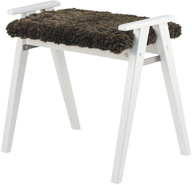 Alme, Skammel med fåreskind, Træ by Oscarssons Möbel (Ægte fåreskind brun, Hvidlakeret massiv birketræ)