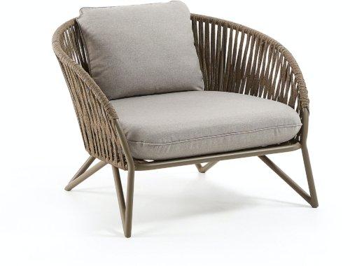 På billedet ser du variationen Branzie, Udendørs lænestol fra brandet LaForma i en størrelse H: 77 cm. B: 100 cm. L: 90 cm. i farven Brun/grå
