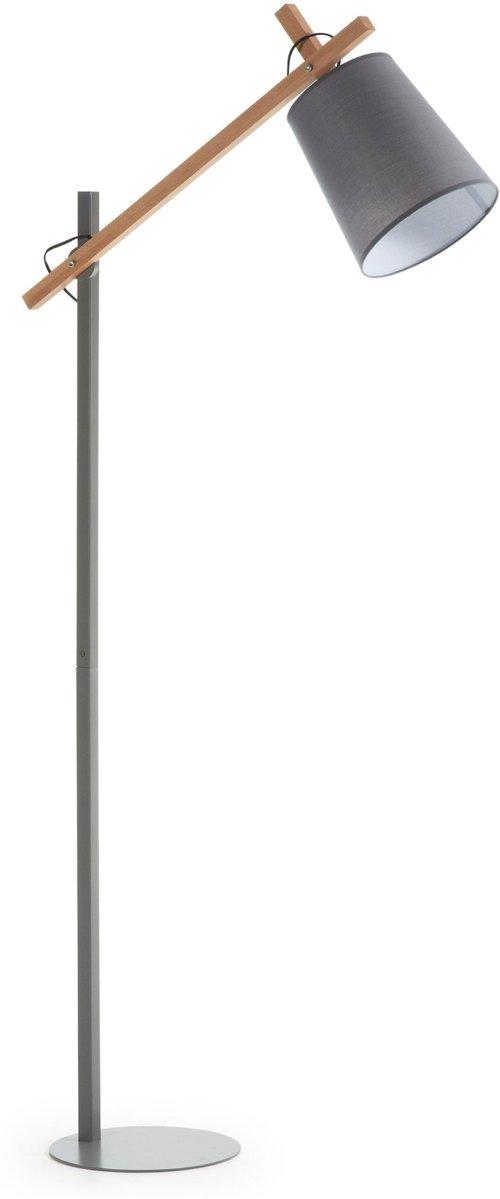 På billedet ser du variationen Kosta, Gulvlampe fra brandet LaForma i en størrelse H: 166 cm. B: 74 cm. L: 28 cm. i farven Grå/natur