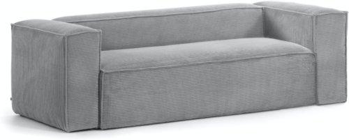 På billedet ser du variationen Blok, 3-personers sofa, Fjøjl fra brandet LaForma i en størrelse H: 69 cm. B: 240 cm. L: 100 cm. i farven Grå