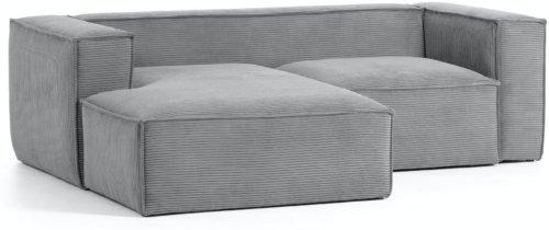 På billedet ser du variationen Blok, Sofa med chaiselong, Venstrevendt, Fløjl fra brandet LaForma i en størrelse H: 69 cm. B: 240 cm. L: 174 cm. i farven Grå