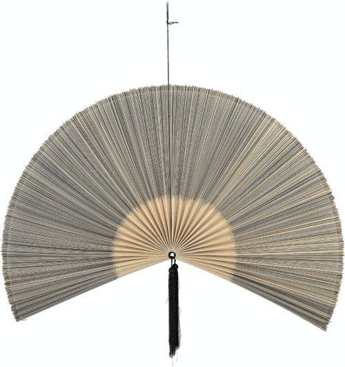 På billedet ser du variationen Jaime, Vægdekoration, Sort, Bambus fra brandet Bloomingville i en størrelse H: 72 cm. L: 145 cm. i farven Sort