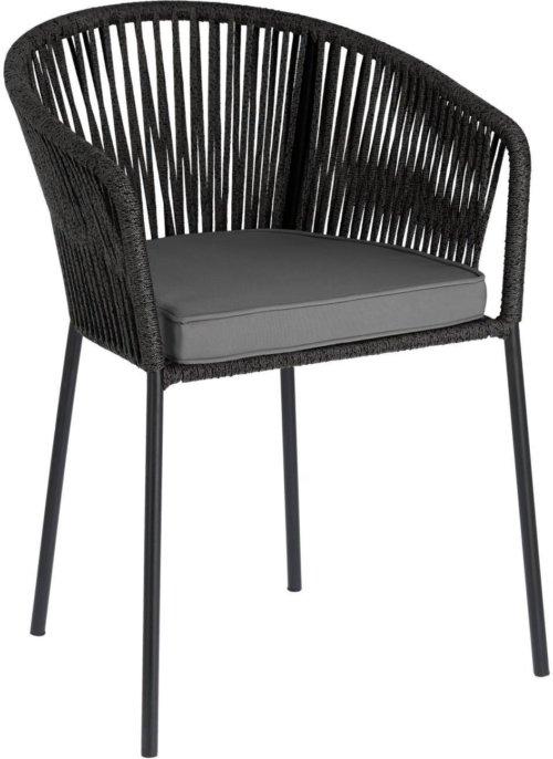 På billedet ser du variationen Yanet, Udendørs spisebordsstol fra brandet LaForma i en størrelse H: 79 cm. B: 56 cm. L: 50 cm. i farven Sort/Grå