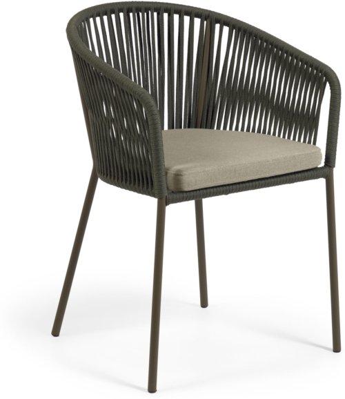 På billedet ser du variationen Yanet, Udendørs spisebordsstol fra brandet LaForma i en størrelse H: 79 cm. B: 56 cm. L: 50 cm. i farven Grøn