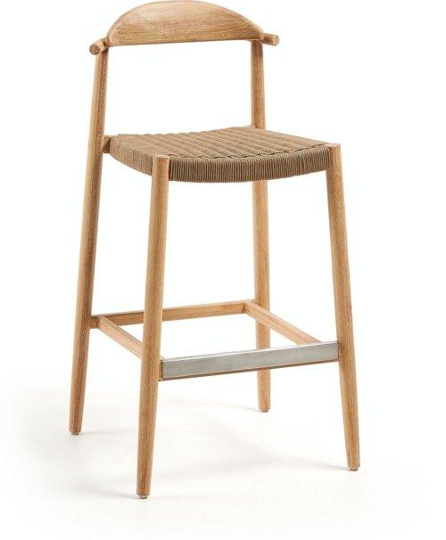På billedet ser du variationen Nina, Udendørs barstol fra brandet LaForma i en størrelse H: 109 cm. B: 54 cm. L: 54 cm. i farven Brun/Natur