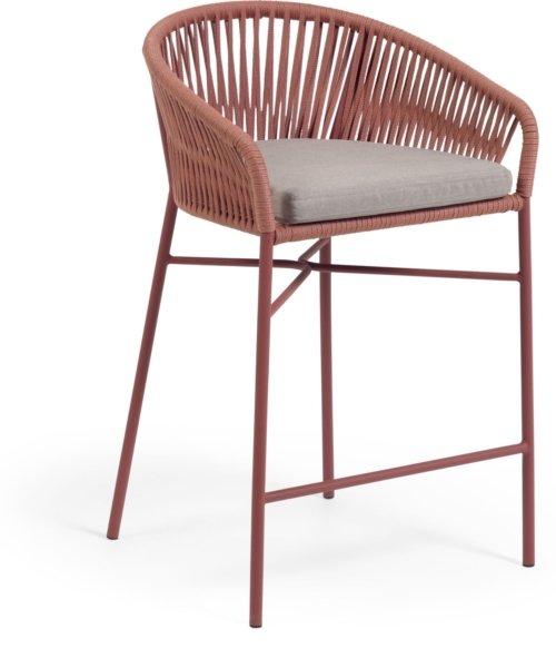 På billedet ser du variationen Yanet, Udendørs barstol fra brandet LaForma i en størrelse H: 85 cm. B: 55 cm. L: 50 cm. i farven Lyserød
